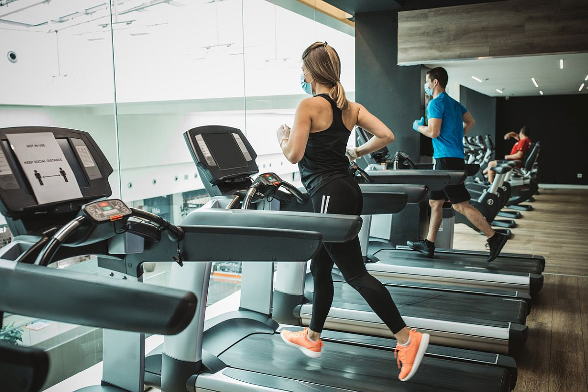 What are the benefits of going to gym every day?